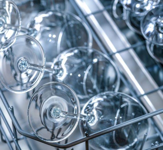 Comment bien choisir et entretenir son lave-vaisselle ?